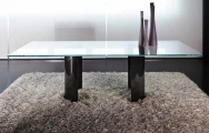 jedálenský stôl sklenený