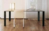 Sklenený jedálenský stôl
