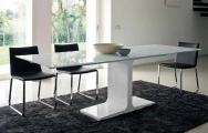 Stôl do kuchyne sklenený