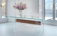 Moderný sklenený stôl