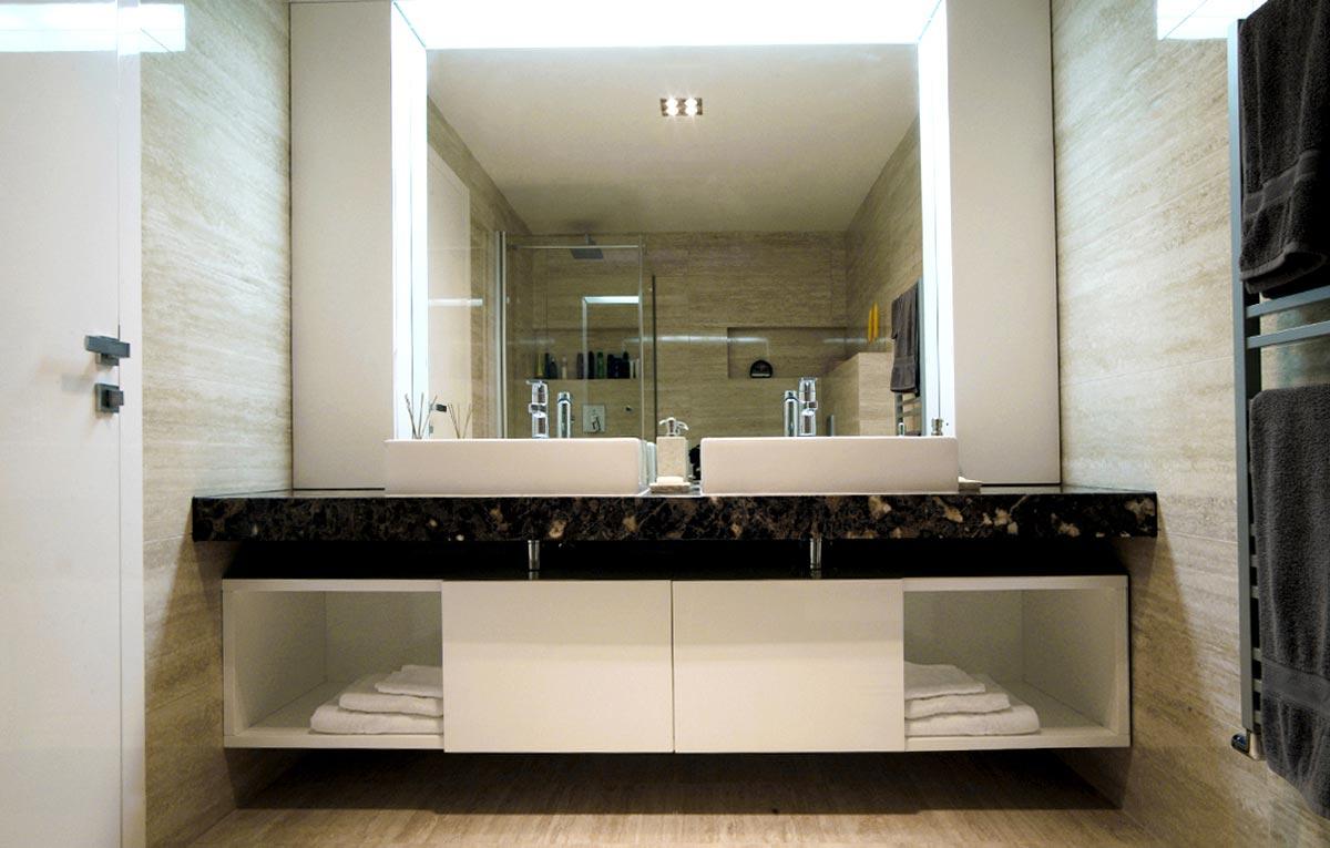 Luxusný kúpeľňový nábytok na mieru