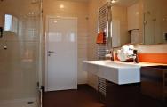 Moderný nábytok do kúpeľne na mieru