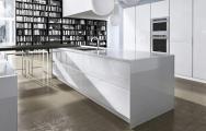 Luxusné kuchyne, Luxusné kuchyne biele lesklé, Luxusné kuchyne spojené s obývačkou obrázky, s pultom