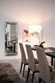 Luxusné kožené stoličky do kuchyne, drevené nohy