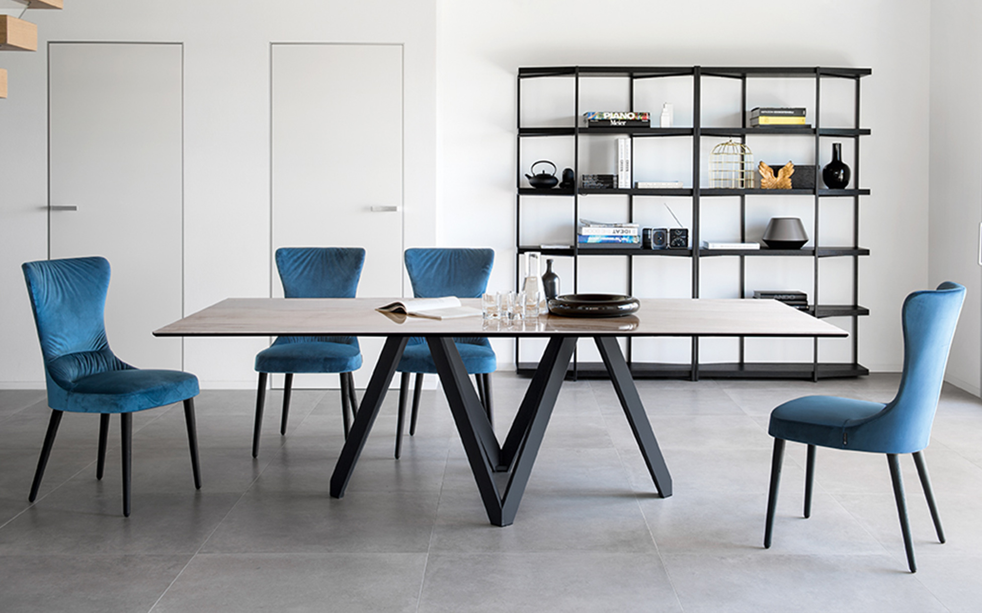 Jedálenské talianske stoly luxusné, moderné, dizajnové - masívne, sklenené, rozťahovacie, biele vysoký lesk